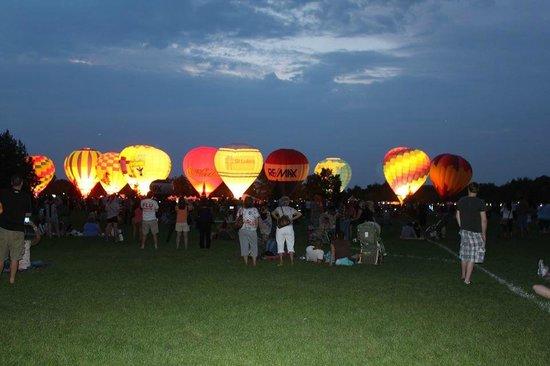 Residence Inn Boise Downtown : once a year Boise Idaho has a hot air balloon event in the park next door.