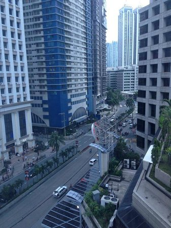 Crowne Plaza Manila Galleria : View from
