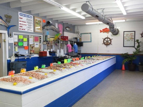 From the road picture of buddy 39 s seafood market panama for Fish market panama city beach