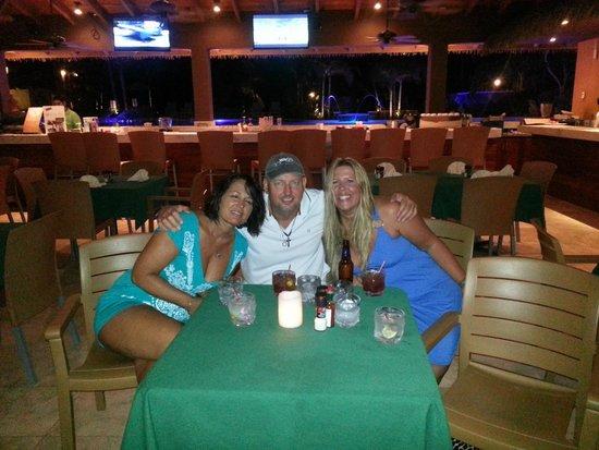 Grand Roatan Caribbean Resort: Iron Shore Grill Grand Roatan