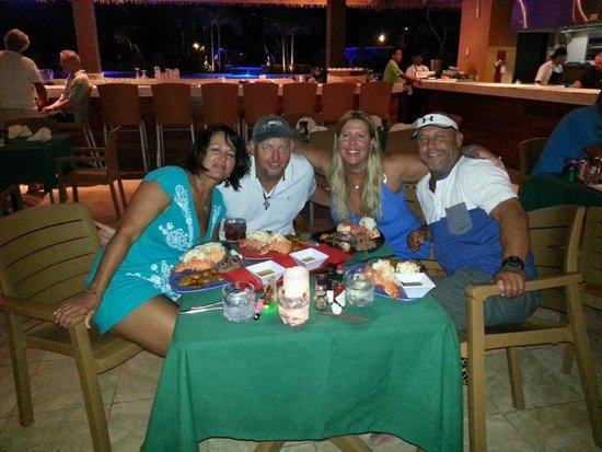 Grand Roatan Caribbean Resort: Dining at Iron Shore Grill