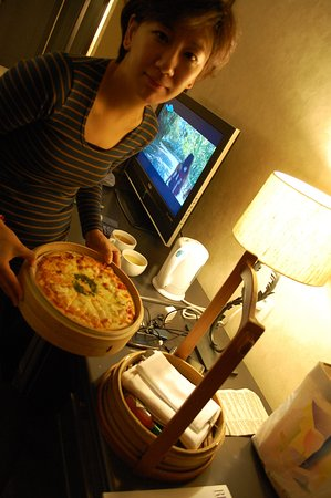 Silks Place Taroko: 從蒸籠取出披薩,哈哈