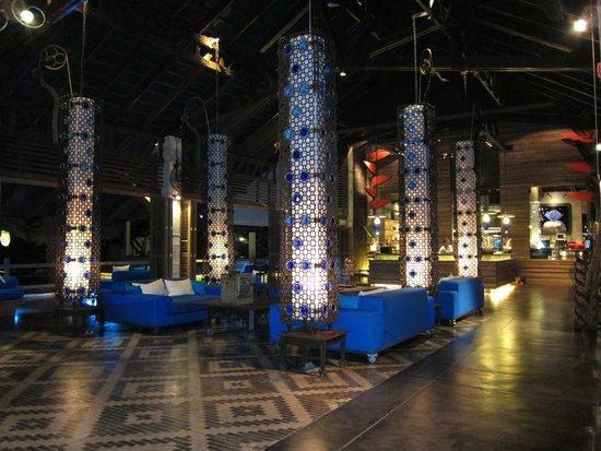 The Slate: loves blue - reception