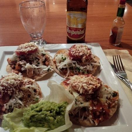 Hotel Honduras Maya: Enchiladas catrachas