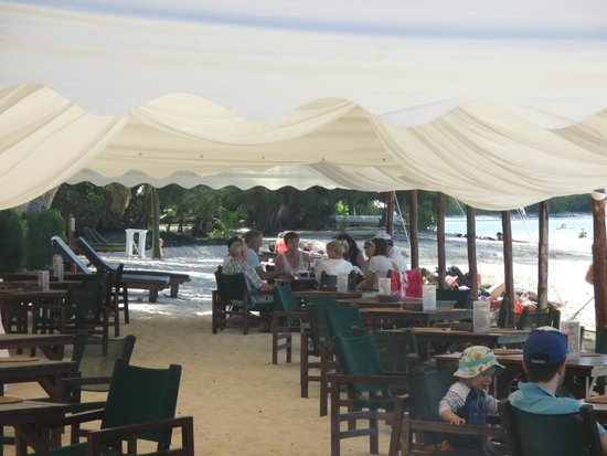 Pacific Resort Rarotonga: Outside Dining Area