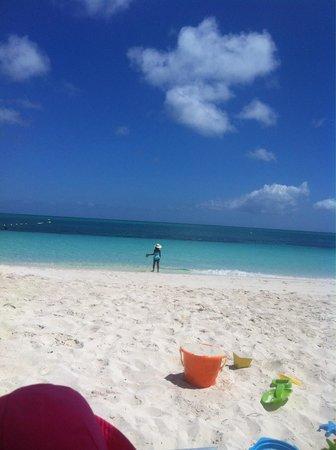Beach House Turks & Caicos: Family vacation @ the Beach House
