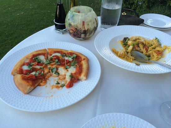 Dondero's: Margherita pizza and chicken pasta