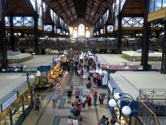 Central Market Hall : Huge market