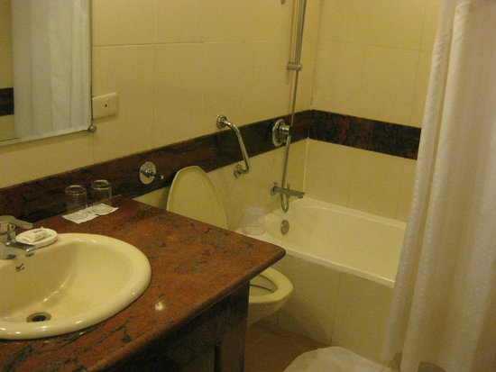 Holiday Inn Resort Goa: Bathroom