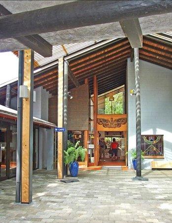 Waitangi Treaty Grounds: Treaty Grounds Visitor Centre
