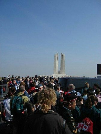 Mémorial de Vimy : 90th battle anniversary