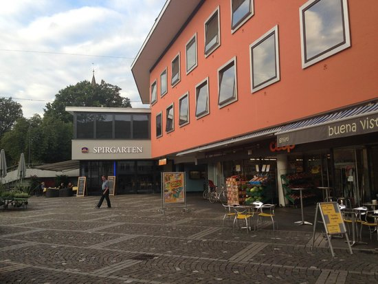 BEST WESTERN Hotel Spirgarten: Front area