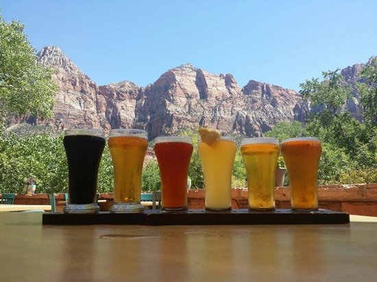 Zion Canyon Brew Pub : Flight of all 6 beers