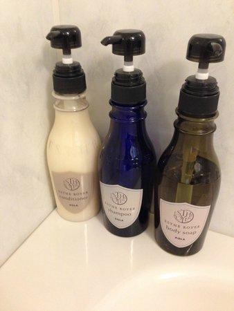 Hotel Prezio Shizuoka-Ekinan : バスルームに備え付けのシャンプー類