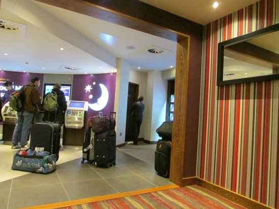 Premier Inn London Croydon Town Centre Hotel: Recepcion