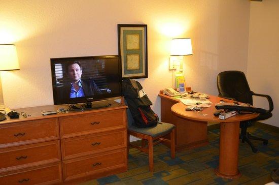 La Quinta Inn & Suites Ft. Lauderdale Plantation: Quarto confortavel