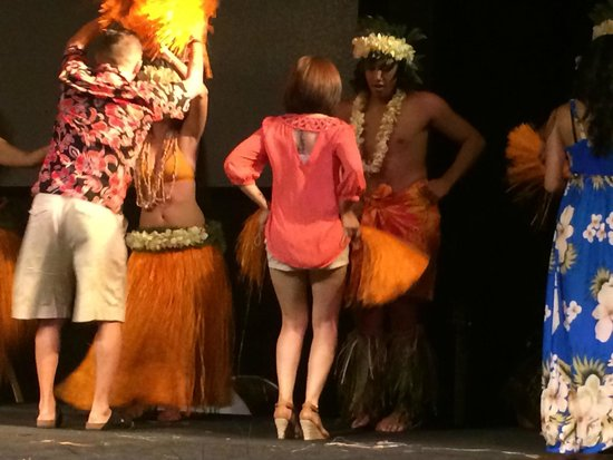 Te Moana Nui, Tales of the Pacific: Trying to learn how to dance