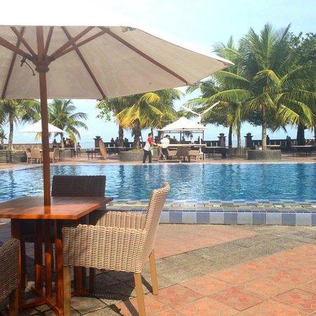 Pangeran Beach Hotel: Nice Swimming Pool
