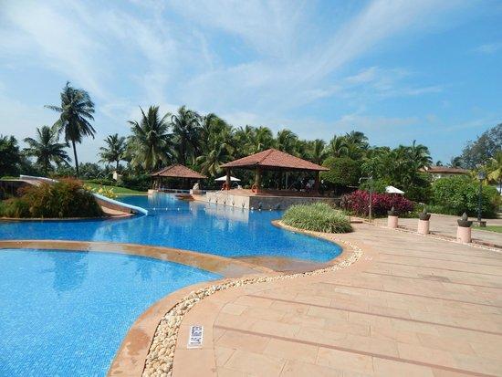 Kenilworth Resort & Spa : pool side