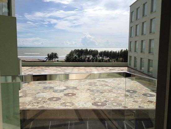 Ocean Paradise Hotel & Resort: View from my balcony