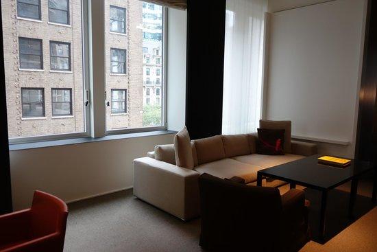 Andaz 5th Avenue : Living room