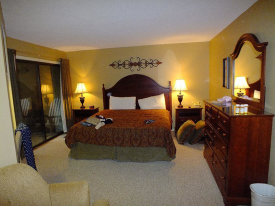 Foxhunt at Sapphire Valley: master bedroom  lower level