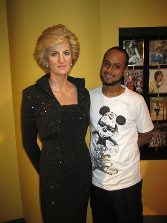 Madame Tussauds Bangkok : it was nice to meet the Lady
