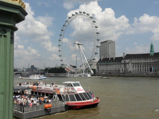 Thames River Boats: Great way to see London