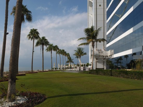Burj Al Arab Jumeirah: Grounds of the hotel