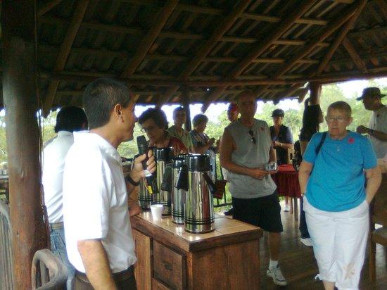 Espiritu Santo Coffee Tour: Trying different coffee blends.