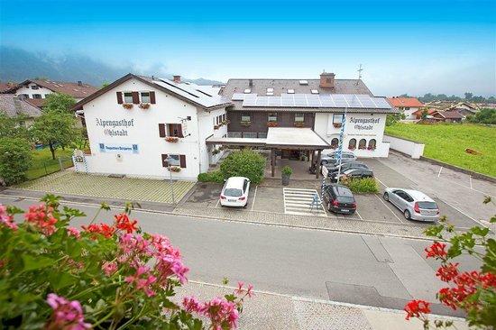 Alpenhotel Ohlstadt : Außenansicht vom Hotel