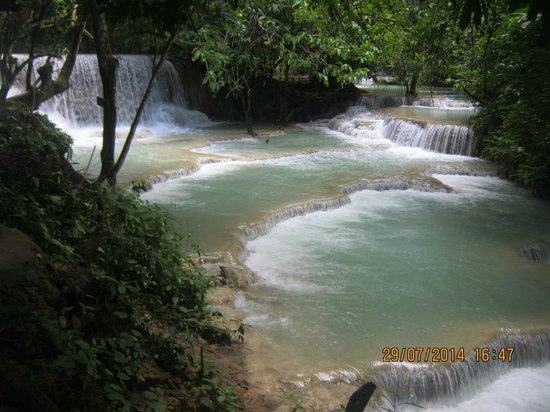 Kuang Si Falls: Kuang Si Waterfall in Luang Prabang, Laos
