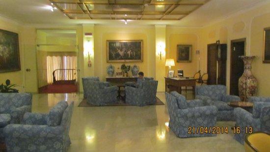 Hotel Napoleon: The lobby