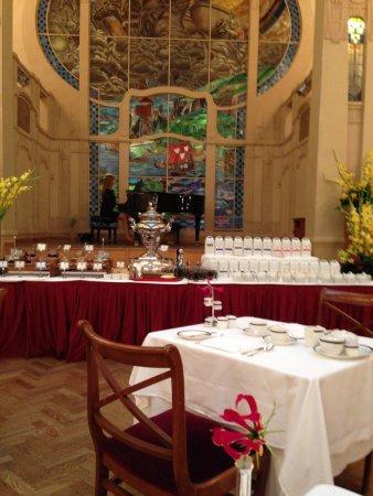 Belmond Grand Hotel Europe : Завтрак с музыкальным сопровождением