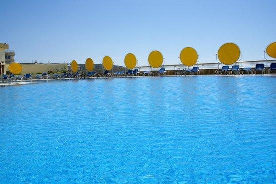 Ô Hotel Golf Mar: Uma das piscinas exteriores  com vista para o mar espectacular