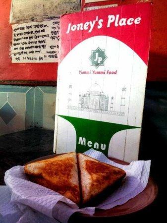 Joney's Place: Egg n cheese sandwich