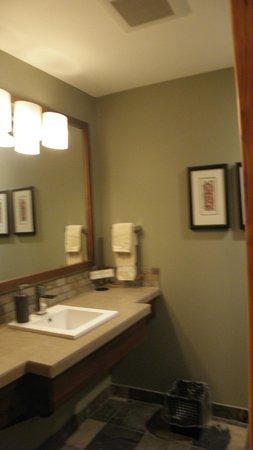 Moutcha Bay Resort: Bathroom