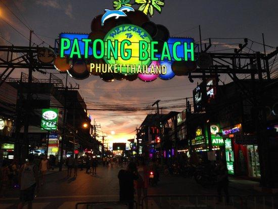 Grand Mercure Phuket Patong: Close to hotel night life.