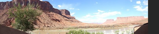 Red Cliffs Lodge : view from the terrace of the room