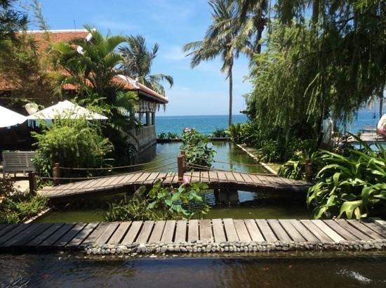 Evason Ana Mandara Nha Trang : vue depuis l entree principale