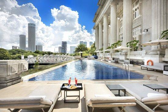 The Fullerton Hotel Singapore: Infinity Pool