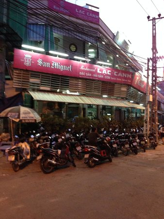 View of Lac Canh Restaurant from the street
