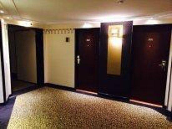 فندق أم كونسرتهاوس - مجاليري كولكشن: коридор