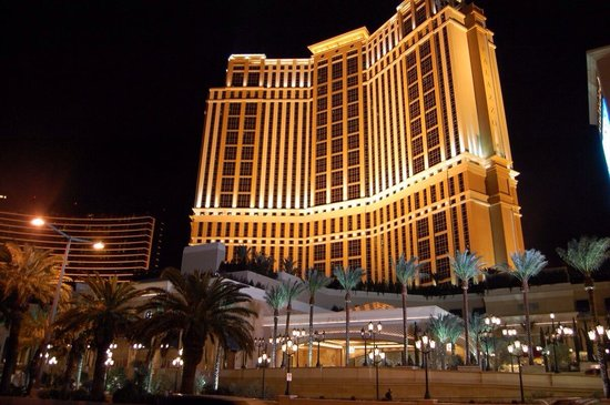 The Palazzo Resort Hotel Casino : Hotel exterior