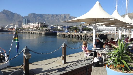 Victoria & Alfred Waterfront: Table Mountain from V&A Warerfront Cape Town