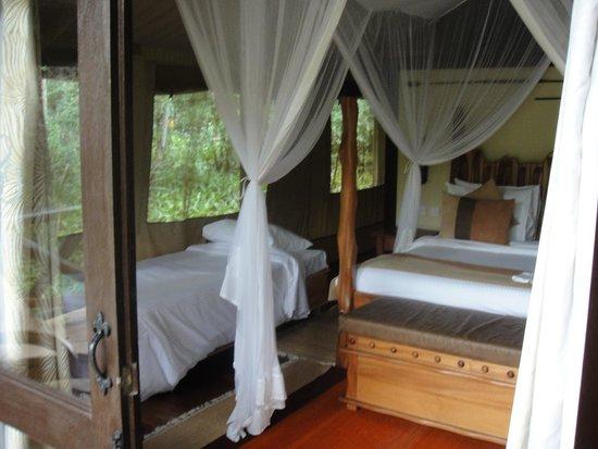 Sarova Mara Game Camp : Luxury tent bedroom
