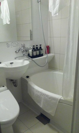 Hotel Nihonbashi Saibo: Bathroom