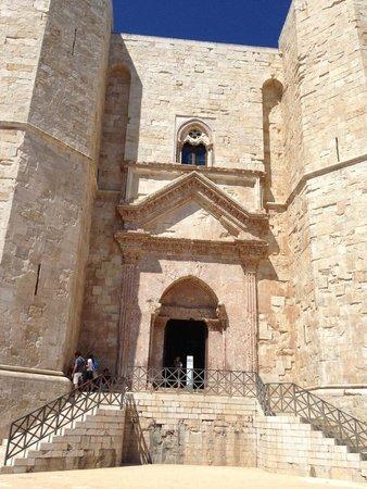 Castel del Monte : La porta di entrata