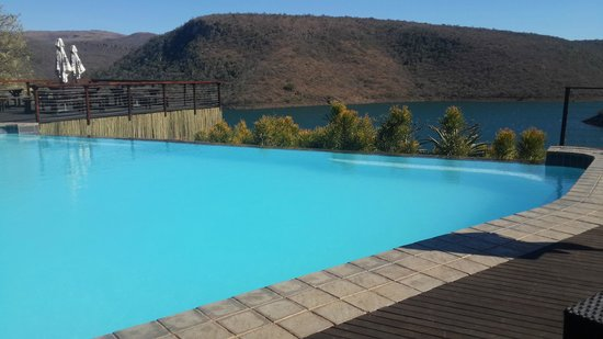 Jozini Tiger Lodge and Spa: Pool Area