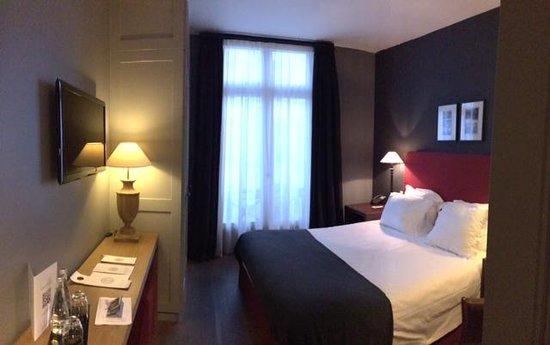 New Hotel Roblin La Madeleine: Zimmer 305